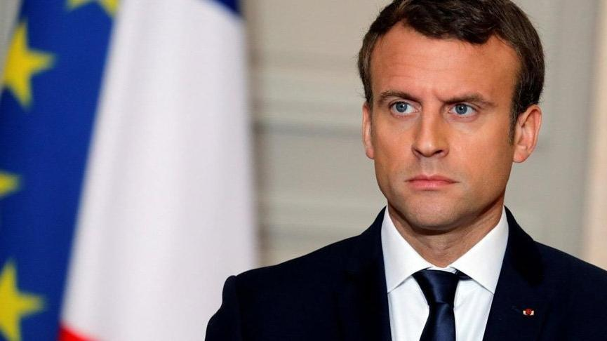 President Macron: towards a localized reopening of museums and terraces from mid-May.